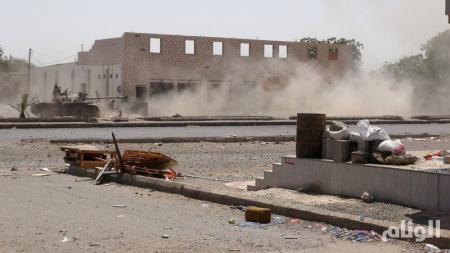 مصافي عدن تعلن أن حريق أحد خزاناتها كان جراء انفجار لم يعرف مصدره حتى الآن