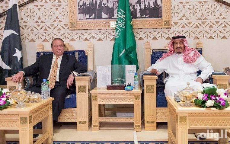 خادم الحرمين الشريفين يستقبل رئيس الوزراء الباكستاني