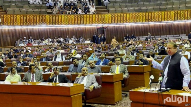 البرلمان الباكستاني يصوت على الحياد بشأن الأزمة في اليمن