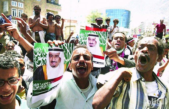 """اليمنيون في الجوف يؤيدون """"عاصفة الحزم"""" ويشكرون خادم الحرمين"""