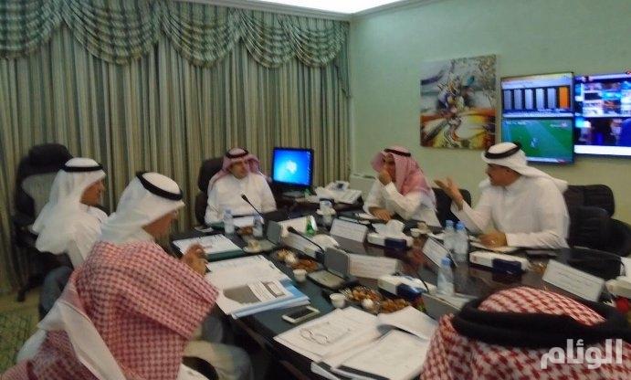 وزير الإعلام يجتمع مع لجنة دراسة أوضاع هيئة الإذاعة والتلفزيون