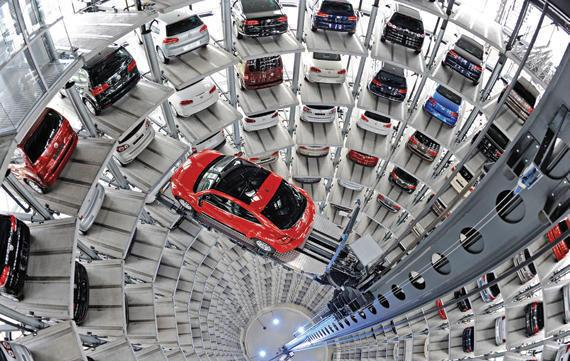 «فولكس فاجن» تسحب نصف مليون سيارة من السوق الأمريكية