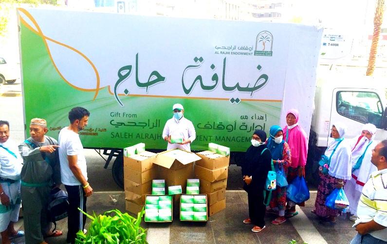 أوقاف الراجحي تقدم أكثر من «352» ألف وجبة غذائية للحجاج