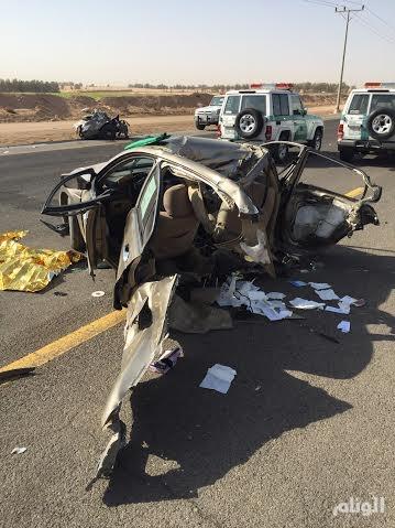 مصرع وإصابة 3 شباب بانشطار سيارة بالقصيم