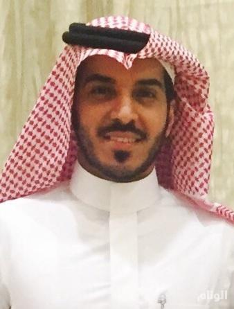 د.طارق المضيان أخصائي الشدفة الأمامية بتخصصي الملك خالد للعيون