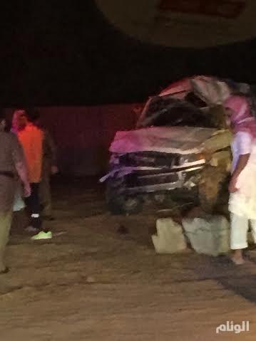 بالصور.. مصرع وإصابة 5 أشخاص في حادث إنقلاب لسيارة بالقصيم