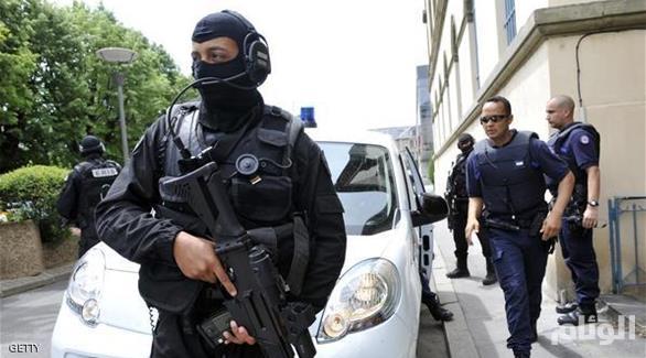 إصابة مسلح بحادث أمني في متحف اللوفر بباريس