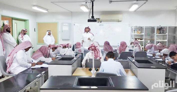«تعليمالأفلاج» يقف على إحتياجات الطلاب والمعلمين
