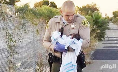 العثور على طفلة حية تحت الأسفلت في كاليفورنيا