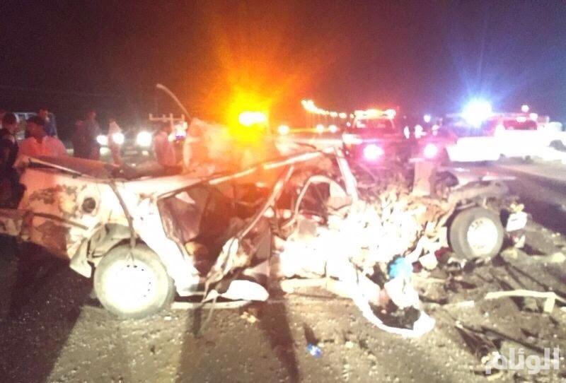 بالصور .. مصرع وإصابة 3 أشخاص في حادث مروع بالمخواة