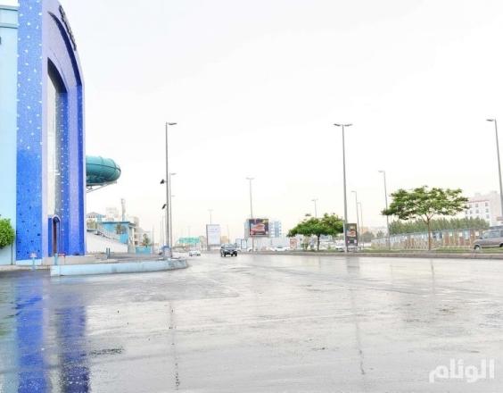 بالصور..هطول أمطار غزيرة على محافظة جدة