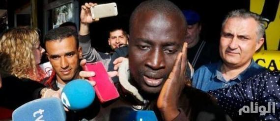وصل على قارب مهاجرين وفاز بجائزة قدرها«400» ألف يورو