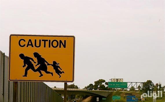 أمريكا ترحل المهاجرين غير الشرعيين والأمن الداخلي يبدأ المداهمات