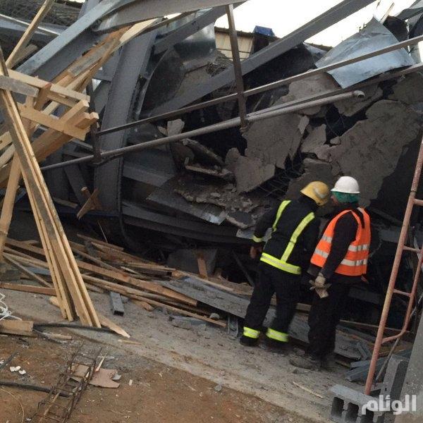 احتجاز 7 أشخاص جراء انهيار مبنى في بريدة