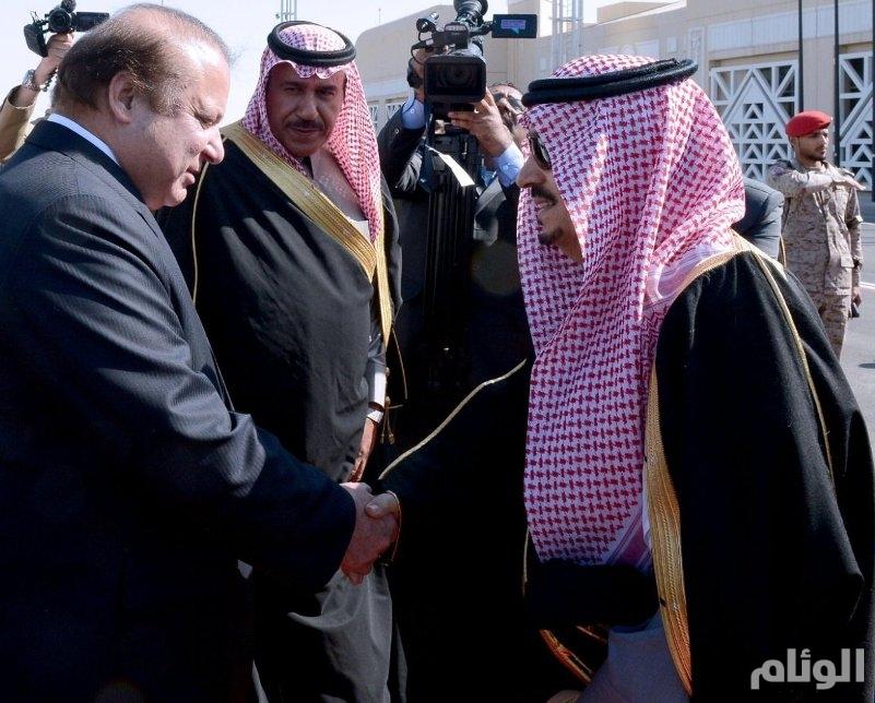 رئيس الوزراء الباكستاني يصل الرياض