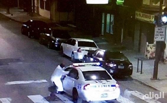 بالصور..داعشي يهاجم شرطياً أمريكياً ويطلق عليه «13» رصاصة بفيلادلفيا