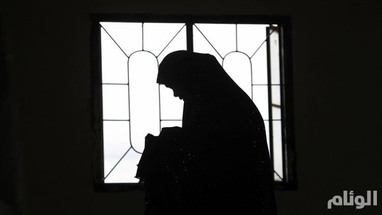 مسنة مصابة بــ«تليف» بالكبد تناشد بتسديد ديون ابنها