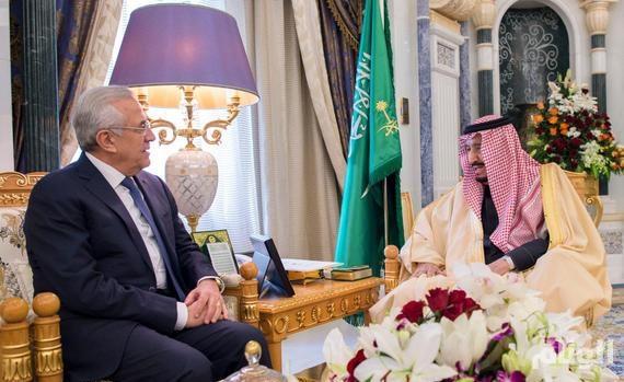 «الملك» يبحث أوضاع لبنان مع الرئيس ميشيل سليمان