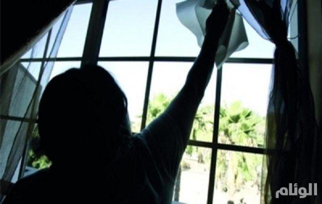 عاملة نظافة سعودية تثير الاستياء بتويتر