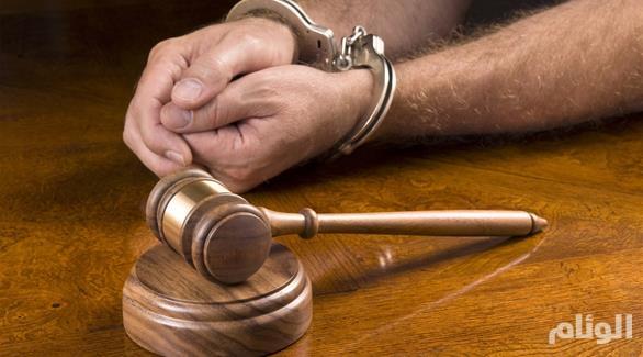 مكة: مقطع فيديو وثقته الأجهزة الأمنية لرئيس بلدية ينتهي به إلى السجن