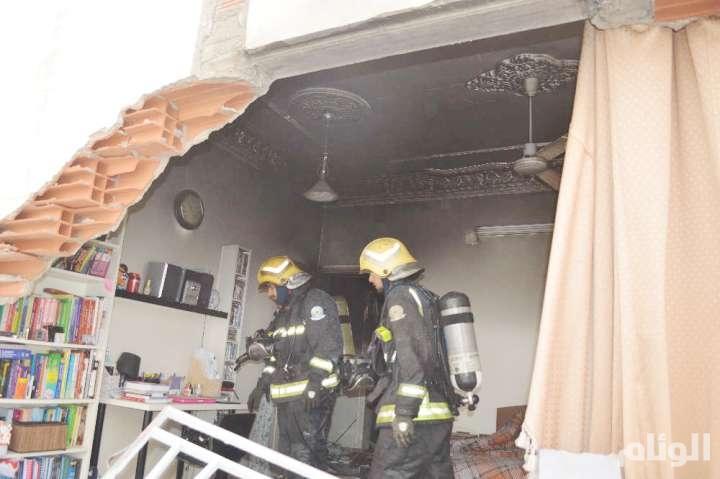 بالصور..إنفجار لحظي يصيب أربعة أشخاص بجدة