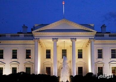 البيت الأبيض يرجح توقيع أوباما قانون تمديد عقوبات ايران قبيل مغادرته المنصب