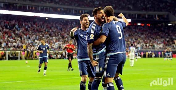«55» هدفاً تتوج ميسي هــدافاً تاريخياً للأرجنتيـن