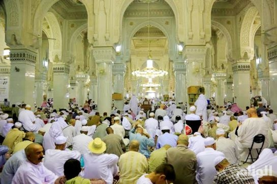 اداء صلاة عيد الفطر المبارك بكافة مناطق المملكة