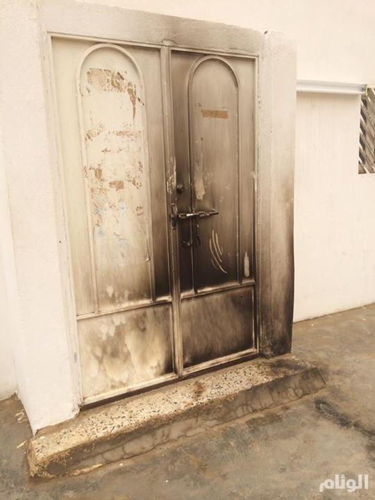 شاب مختل يحاول إحراق مسجدين في جازان