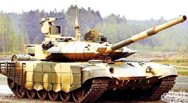 إيران: نتفاوض مع موسكـو لشـراء دبابات «تي 90»