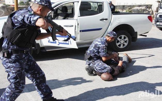 مقتل مطلوبين أمنيين وضبط 5 آخرين في الزرقاء الأردنية