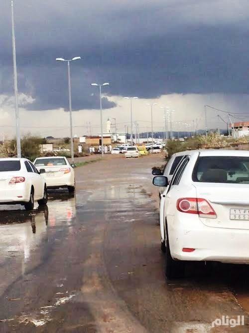 مدني مكة ينبه بالحذر وتوخي الحيطة مع هطول الأمطار الغزيرة على القنفذة