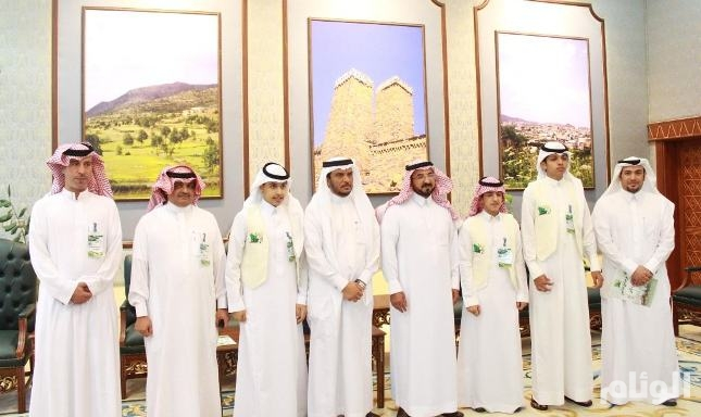 وكيل إمارة الباحة يستقبل أبناء الشهداء والمرابطين في الحد الجنوبي