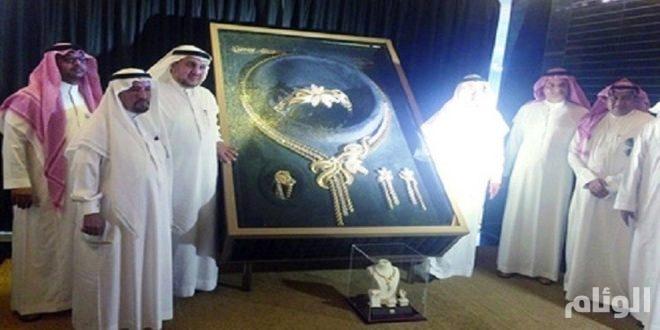 السعودية تدخل «غينيس» بأثقل طقم من الذهب