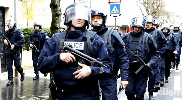 اعتقال رجل اقتحم بسيارته مدرج مطار ليون الفرنسي