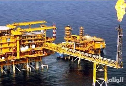 """أسعار النفط مستقرة وسط تخفيضات """"أوبك"""" ومخاوف التجارة"""