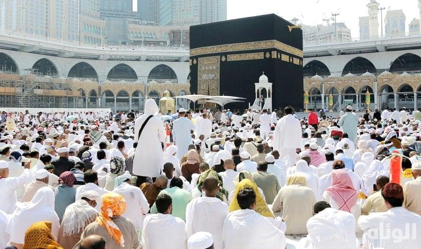 إمام الحرم المكي: الشائعات والأكاذيب من أشد الرِماح الهاتكة لحمى الوحدة والجماعة