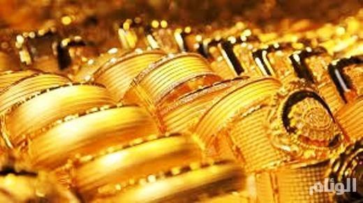 أسعار الذهب مستقرة قرب أعلى مستوى في شهرين