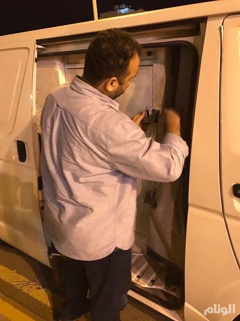 ضبط مورّد اتصالات وافد تلاعب بأسعار الجوالات ومارس الاحتكار والتضييق على السعوديين