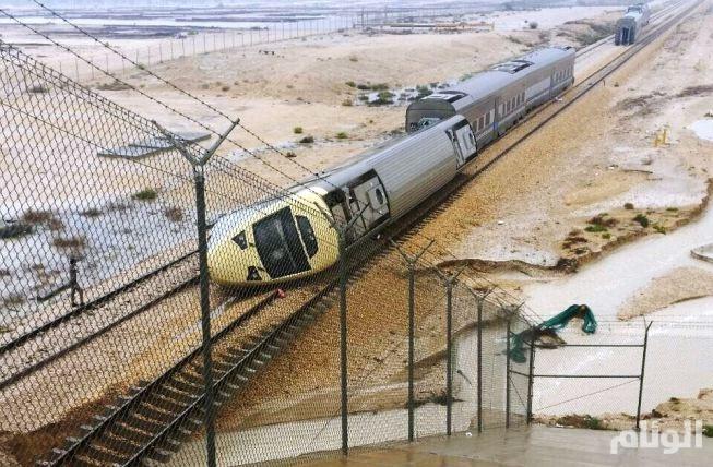 الخطوط الحديدية: جنوح قطار الركاب رقم «14» قرب الدمام بسبب تعرضه لسيول شديدة