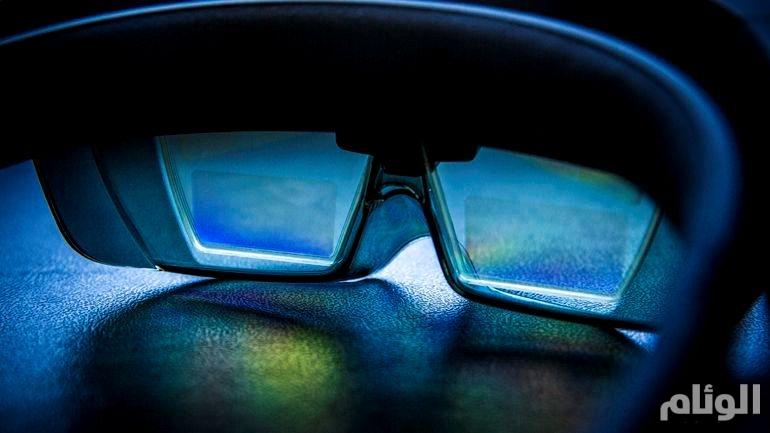 مايكروسوفت تعتزم إطلاق الجيل القادم من نظارة هولولنز