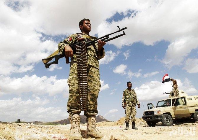 الجيش اليمني يحكم حصاراً مطبقًا على معسكر خالد بن الوليد غرب محافظة تعز