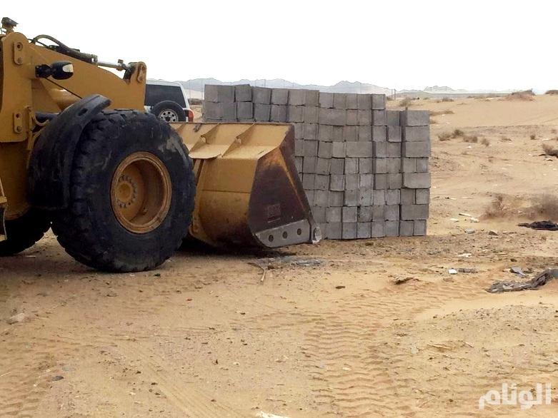 بلدية الشوقية بمكة تزيل تعديات على ممتلكات عامة