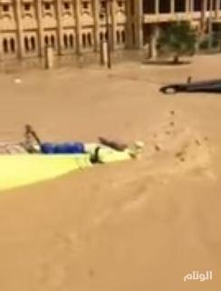 بالفيديو .. حتى صهاريج مياه الدفاع المدني… تغرق في شوارع المدن