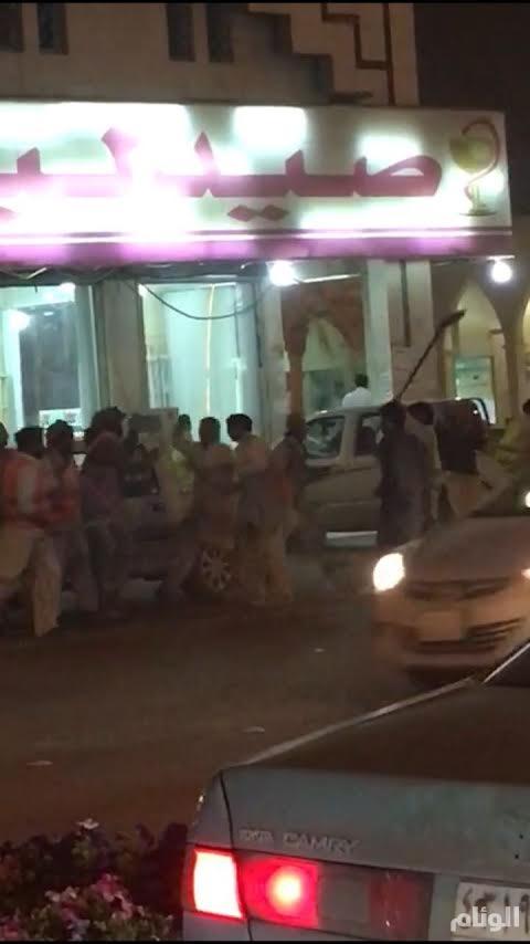 شرطة الرياض تضبط باكستانيين دخلوا في مضاربة بأدوات الحفر