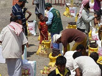 مركز الملك سلمان للإغاثة يقدم إغاثة لمنطقة يختل بمديرية المخا