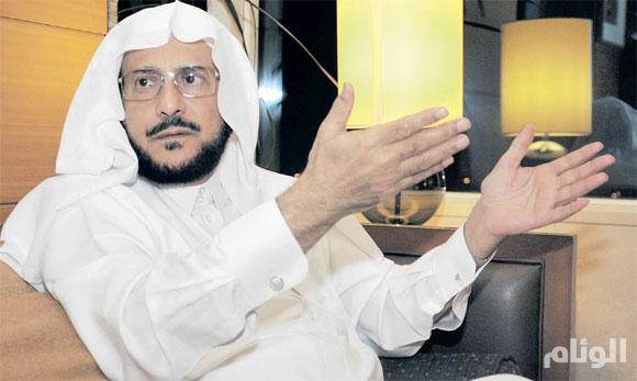 وزير الشؤون الإسلامية عن الخطباء المتجاوزين: لا مجال لــ«كل من هب ودب»