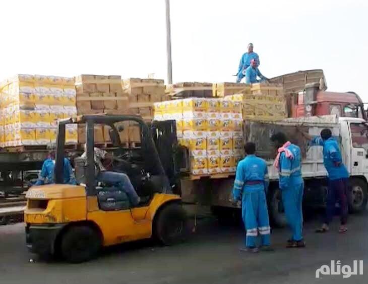 بالصور.. إحباط بيع وتوزيع نحو «32» طنًا من زيوت الطعام منتهية الصلاحية بجدة