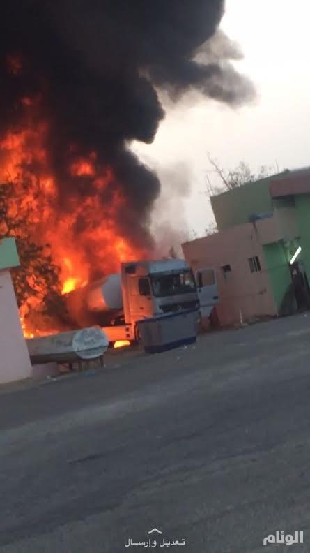 إصابة أحد أفراد الدفاع المدني في حريق خزان محطة وقود بمحافظة بيش