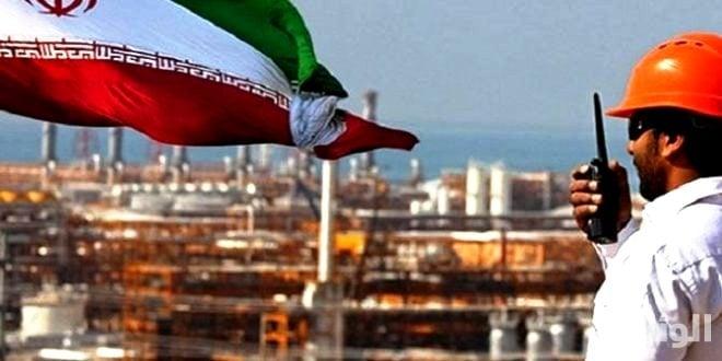 واشنطن تطالب دول العالم بعدم شراء نفط إيران